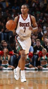 Ramon Sessions sube el baln (Gary Dineen/NBAE/Getty Images)