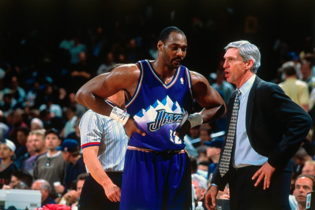 Karl Malone, con Jerry Sloan (NBA Photos/NBAE via Getty Images)
