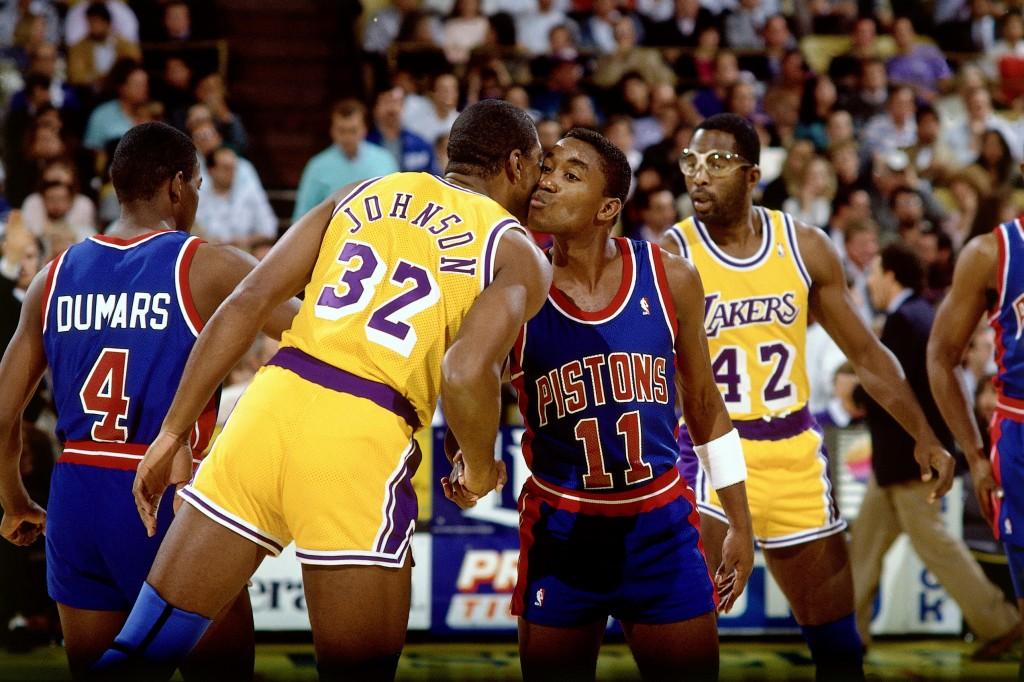 Una de las imágenes clásicas en los 80 (Andrew D. Bernstein/NBAE via Getty Images)