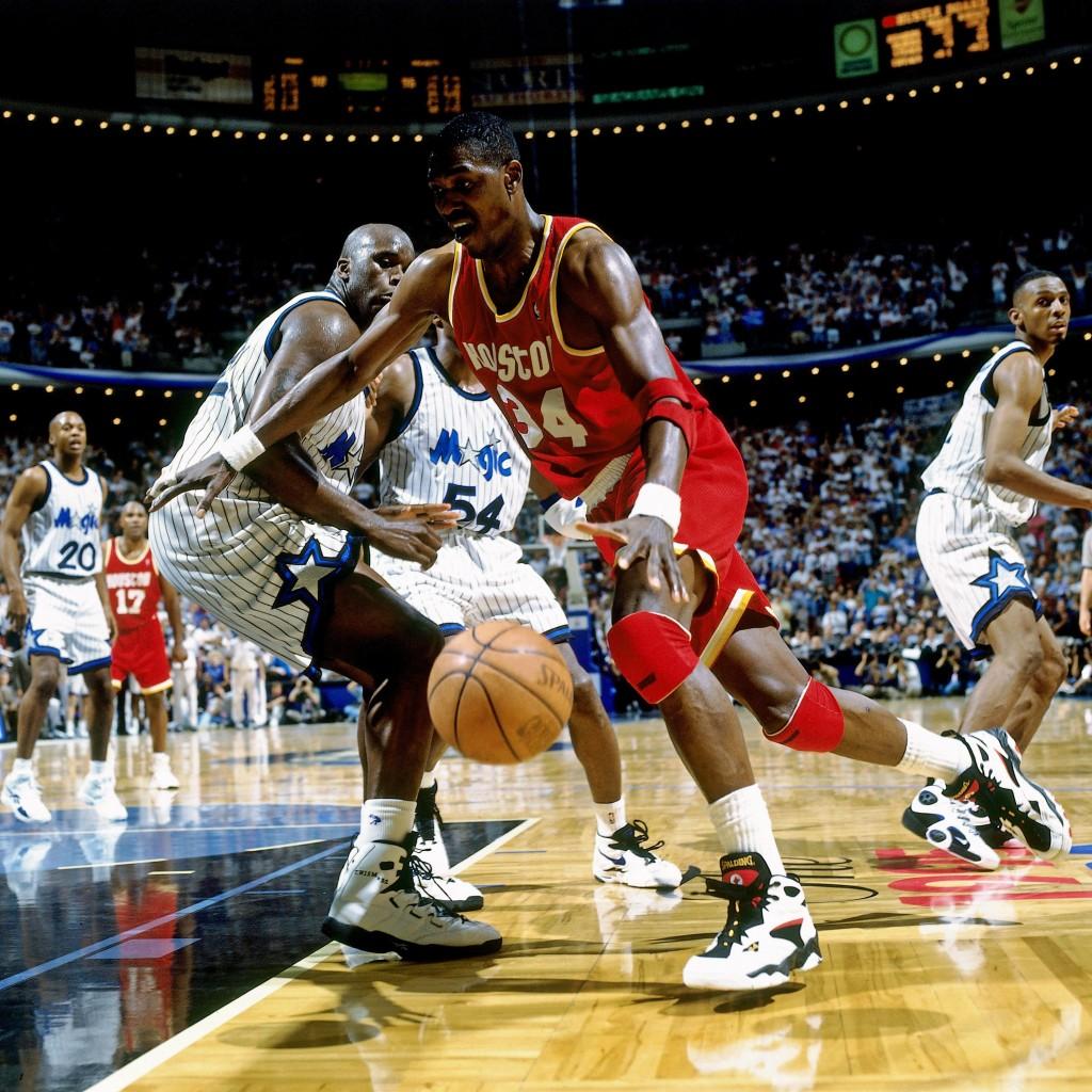Olajuwon y O'Neal protagonizaron las finales del 95 (Photo by Nathaniel S. Butler/NBAE via Getty Images)