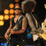 Lenny Kravitz, durante su actuación previa al All Star Game (Foto: Getty)