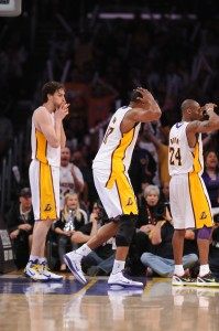 Los Laker no saben lo qué está pasando. Copyright 2011 NBAE (Photo by Noah Graham/NBAE via Getty Images)